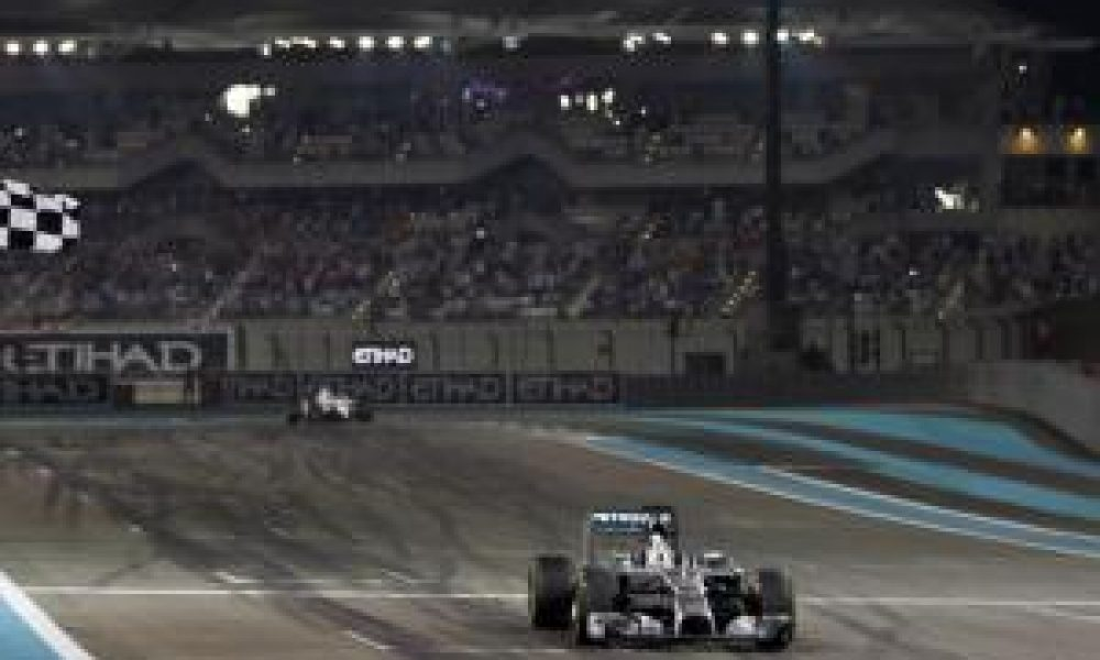 Hamilton takes second F1 title in style