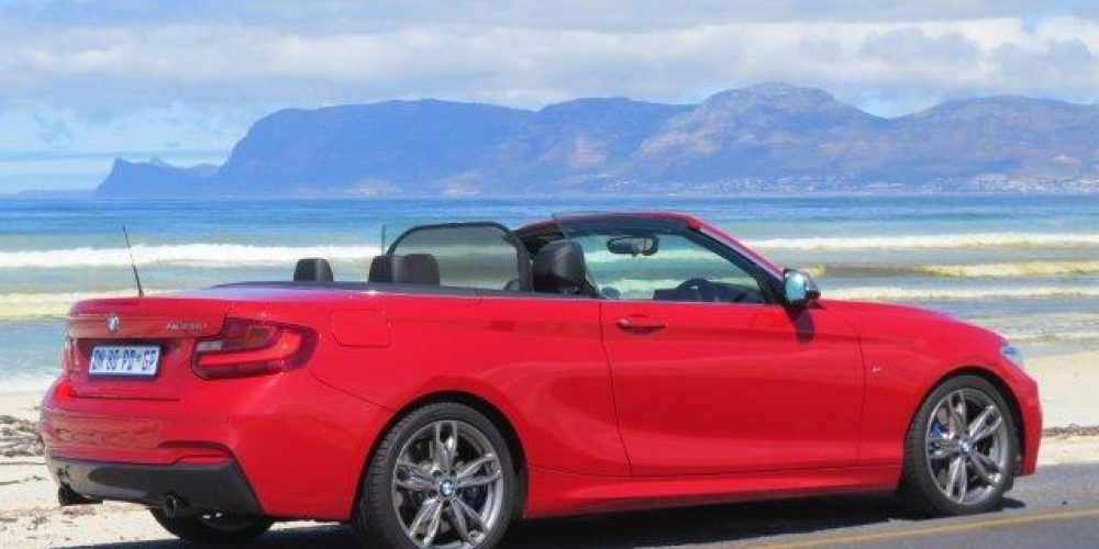 BMW 2-reeks Cabriolet deur Johann van Tonder