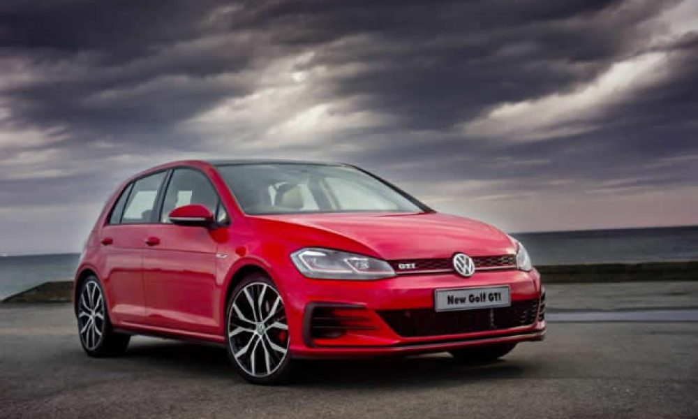 Volkswagen Golf 7 facelift ANOTHER HOLE-IN-ONE Article: Richard Wiley